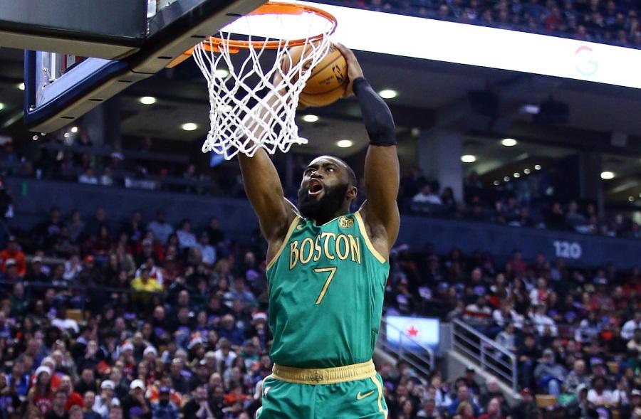 Mở đầu Christmas Day, Boston Celtics nhẹ nhàng vượt qua Toronto Raptors