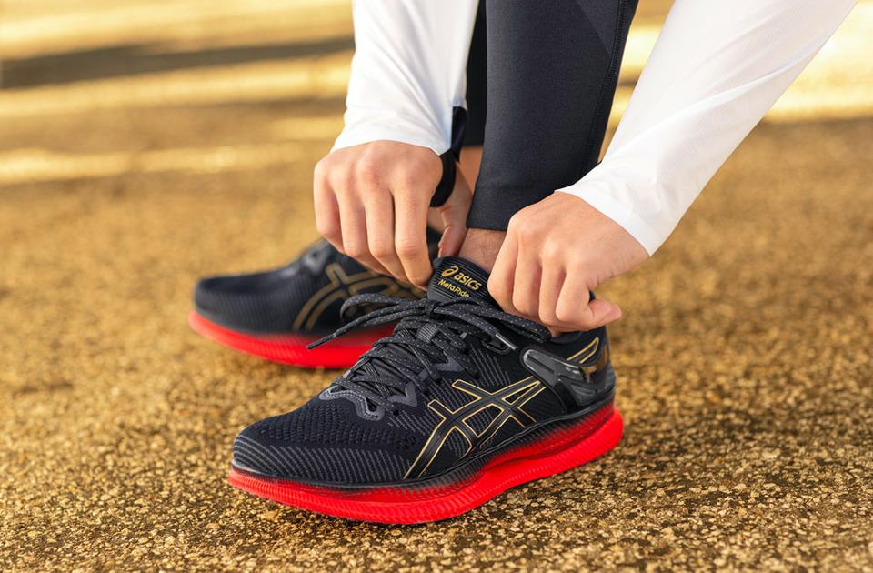 Asics ra mắt công nghệ mới giúp người chạy không bị đau gót