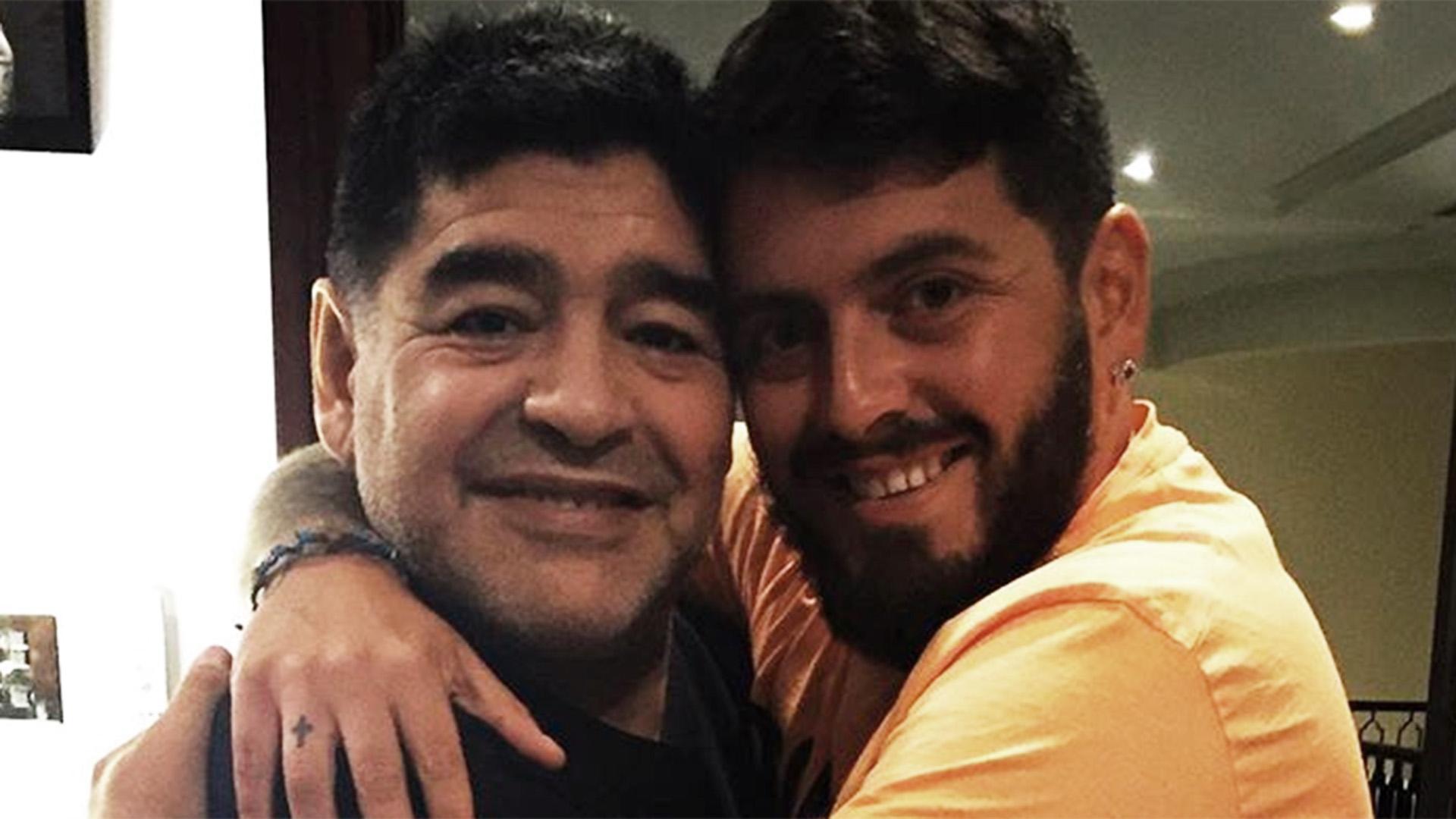 Có 3 con với 2 phụ nữ tại Cuba, Maradona ra điều kiện nhận con