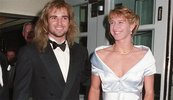 Sinh nhật thứ 50, Steffi Graf nhận lời có cánh từ bạn đời Andre Agassi