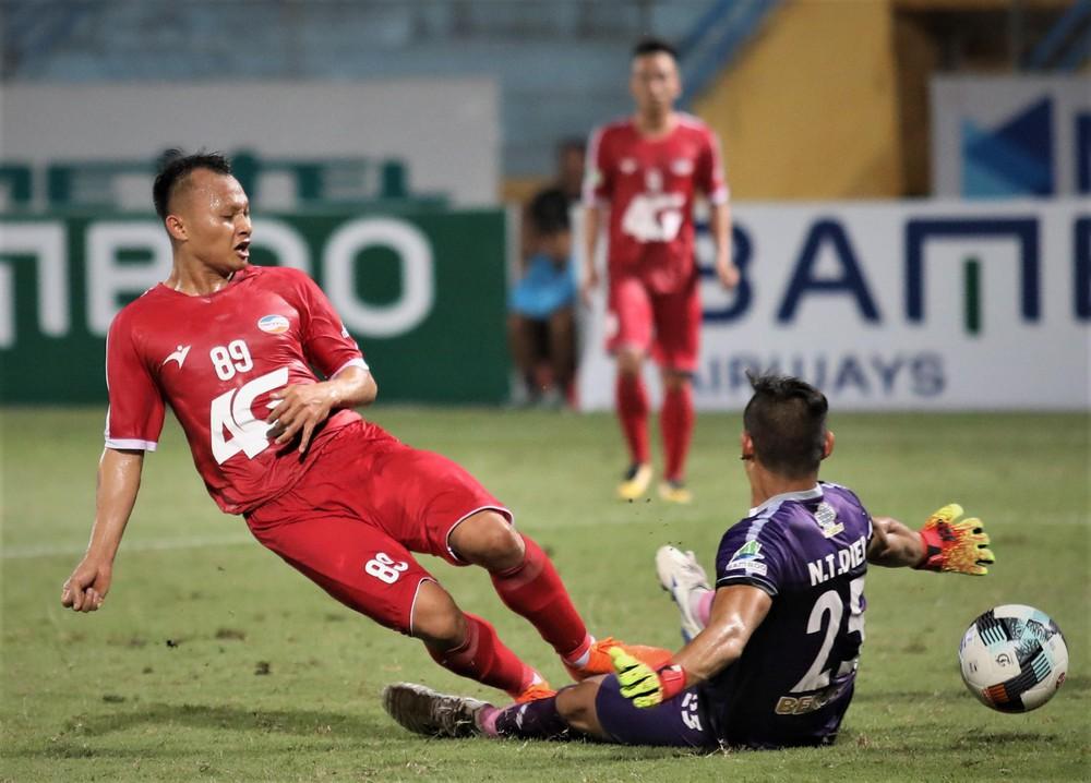 Những màn tái xuất sân cỏ đáng được mong chờ nhất tại lượt về V.League 2019
