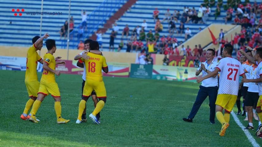 Tuyển thủ U23 Việt Nam nổ súng, Nam Định quả cảm khuất phục Viettel