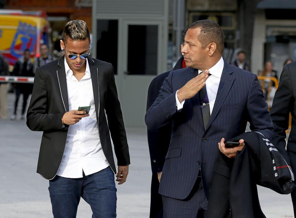 14 nhân vật sẽ quyết định thương vụ Neymar tới Barca là ai?