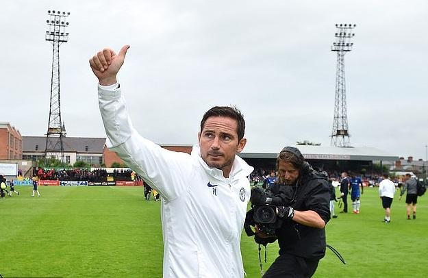 Batshuayi khai hỏa và những điểm nhấn từ trận ra mắt của Lampard với Chelsea