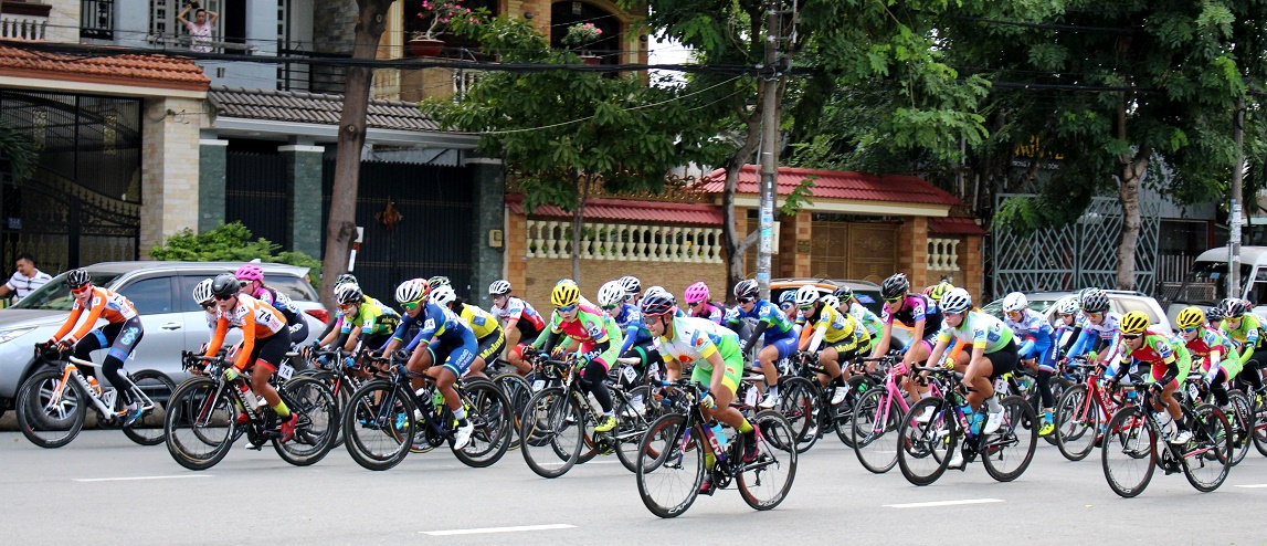 Vắng Nguyễn Thị Thật, các tay đua ngoại thắng thế tại chặng 1 giải quốc tế truyền hình An Giang 2019