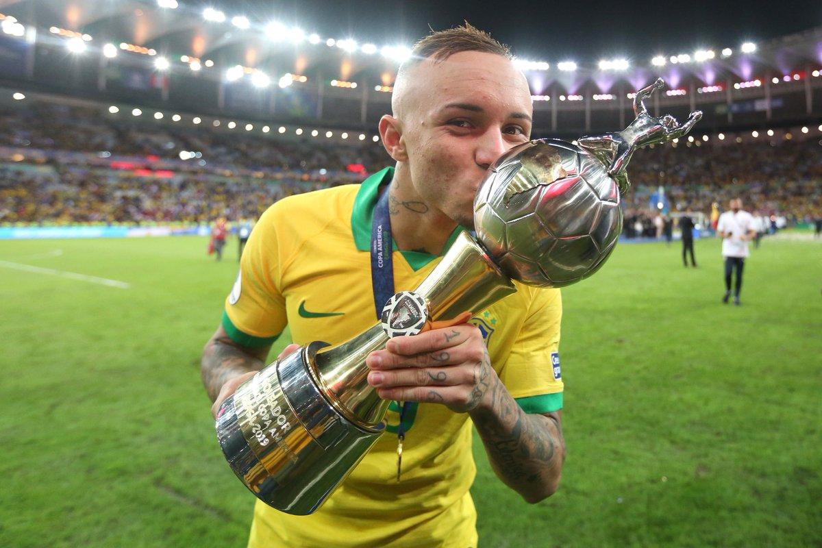 Tin chuyển nhượng tối 14/7: Arsenal đàm phán với vua phá lưới Copa America 2019