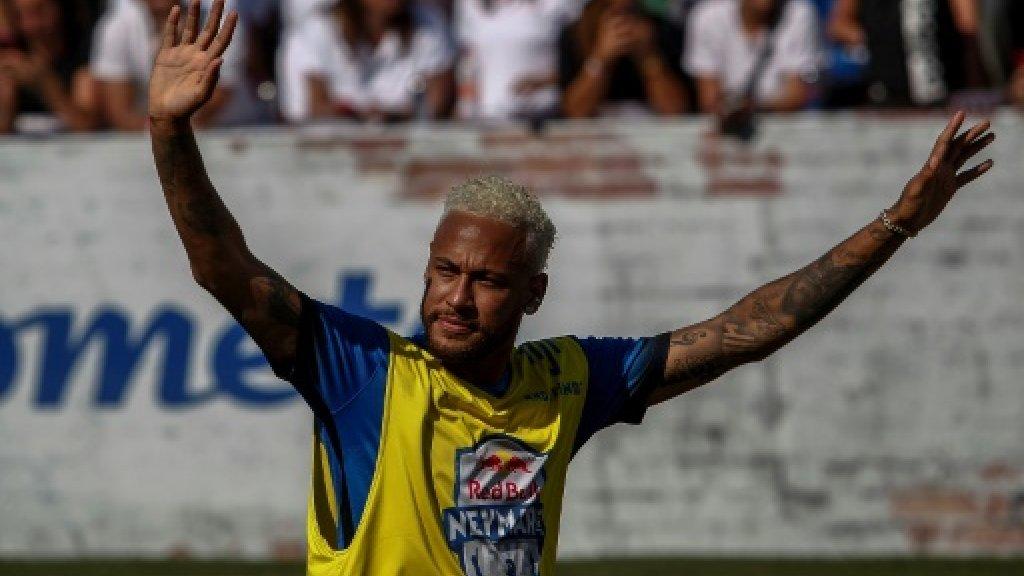 Chuyển nhượng Barca 14/7: Cơ quan thuế vụ TBN ngăn cản Neymar trở lại Barca
