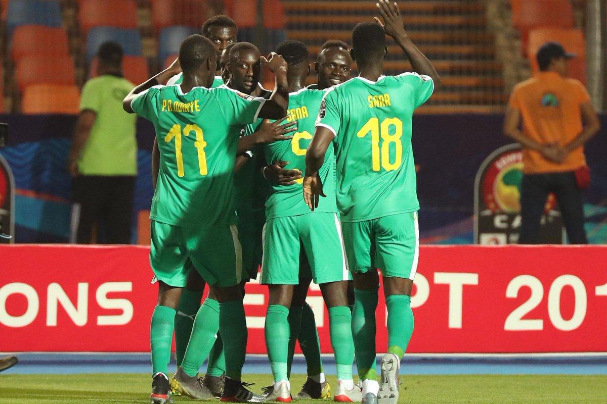 Mahrez đưa Algeria vào chung kết, Mane và Senegal tranh chức vô địch