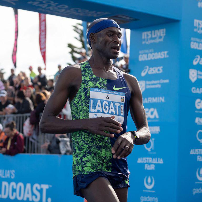 'Cựu binh' chạy trung bình Olympic lập kỷ lục marathon Mỹ ở tuổi 44