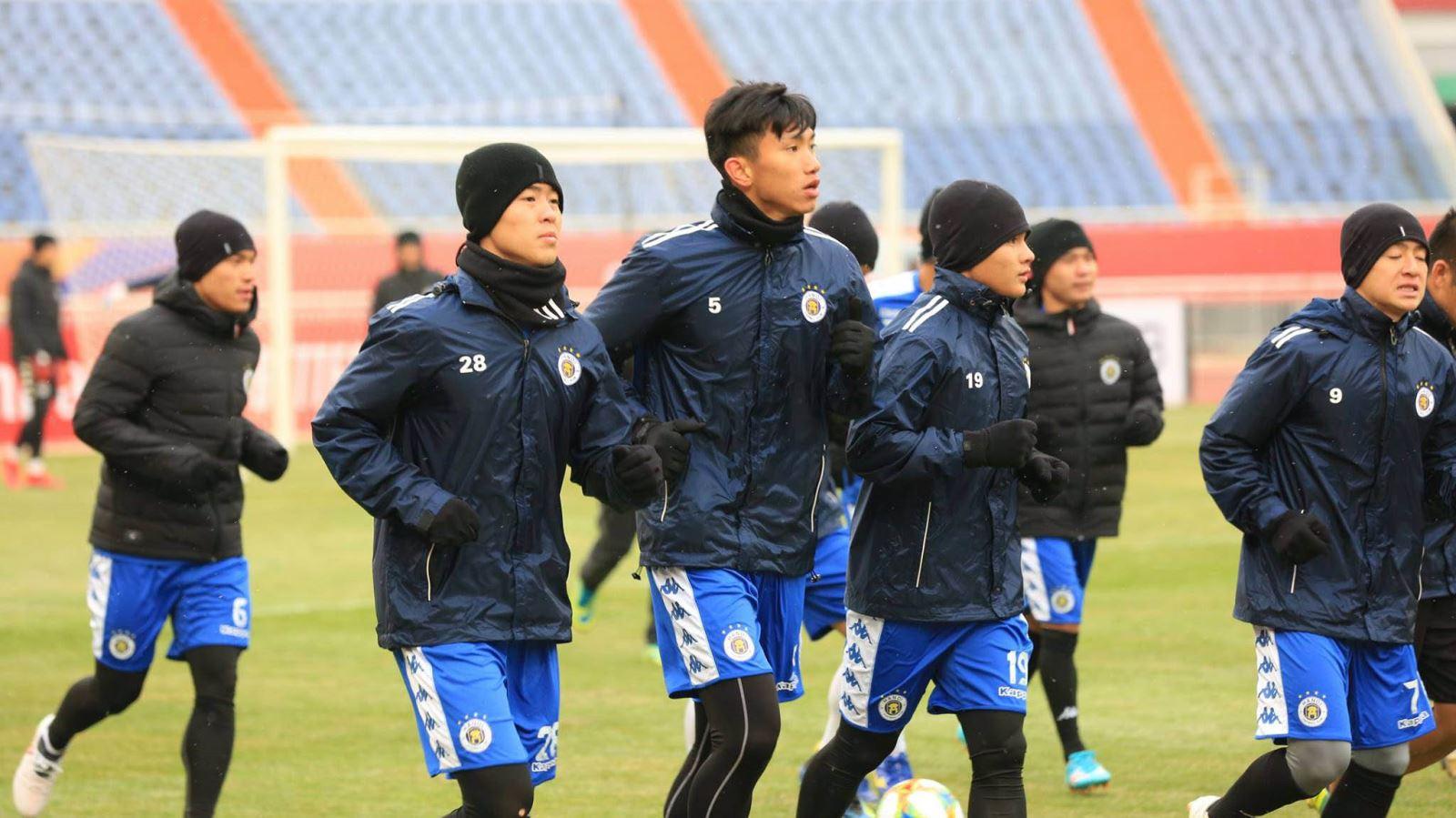 """Muốn đánh bại Shandong Luneng, Hà Nội FC phải """"bịt tai"""" với những con số từ quá khứ"""