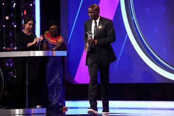 Marathoner xuất sắc nhất hành tinh Eliud Kipchoge nhận giải thưởng Thành tựu đặc biệt