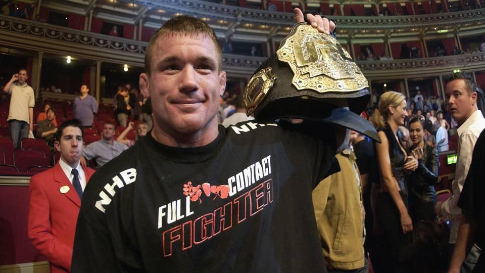 Huyền thoại UFC Matt Hughes bị bắt vì tội hành hung vợ
