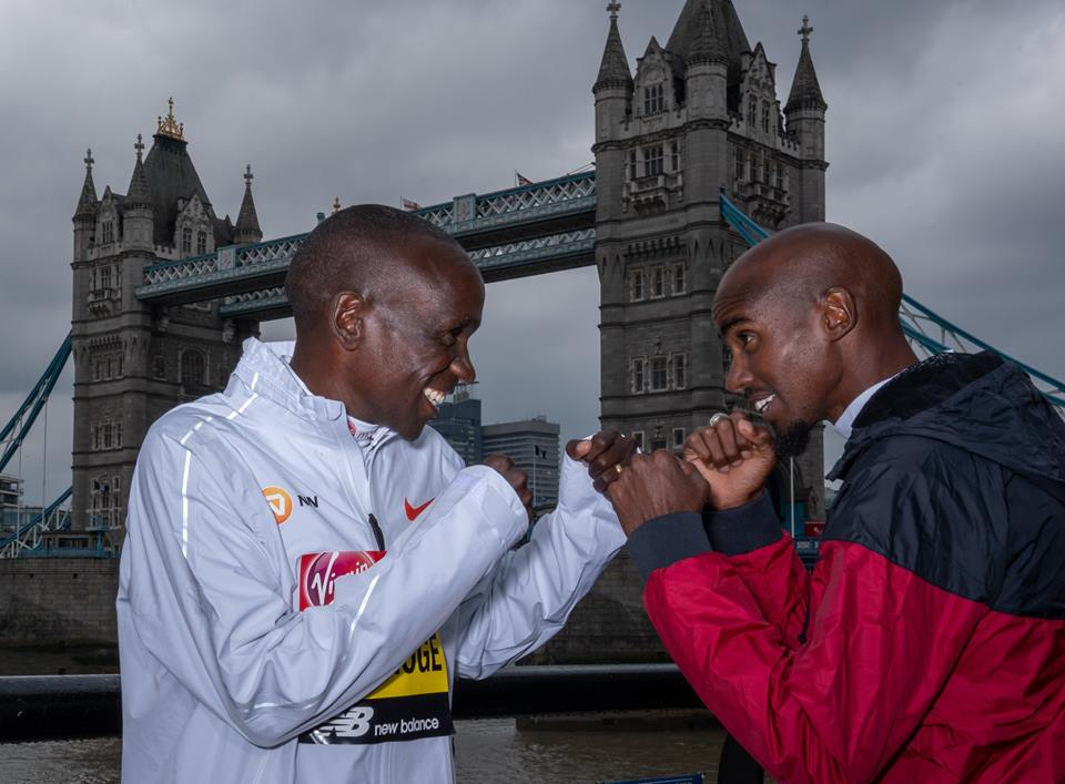 Hai huyền thoại Mo Farah - Eliud Kipchoge hội ngộ chuẩn bị so tài tại London Marathon 2019