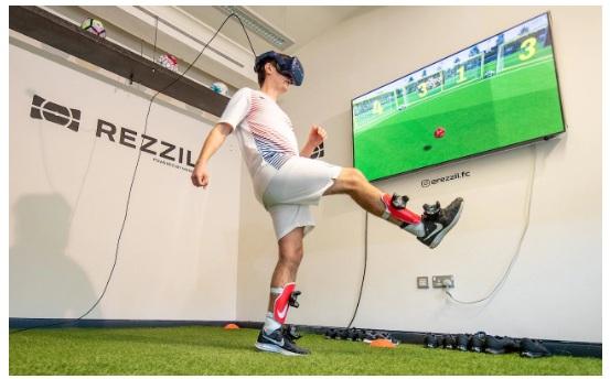 Choáng với công nghệ thực tế ảo giúp tập luyện như một cầu thủ Ngoại hạng Anh