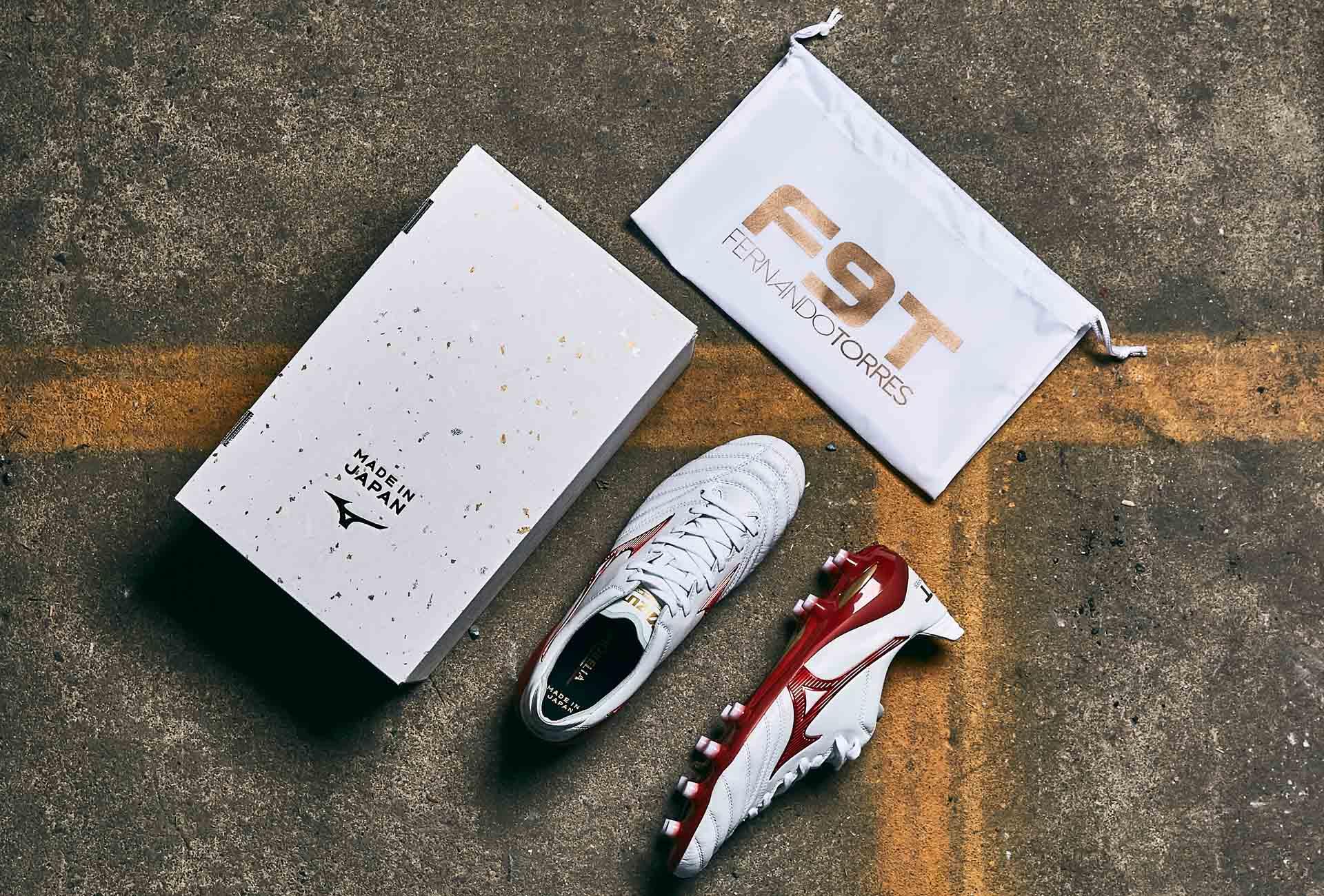 Mizuno tung ra mẫu giày Morelia Neo II F9T của tiền đạo Fernando Torres