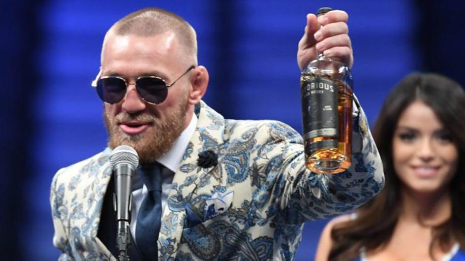 Hãng rượu bị ném đá, Conor McGregor vẫn tuyên bố thắng đậm thương trường