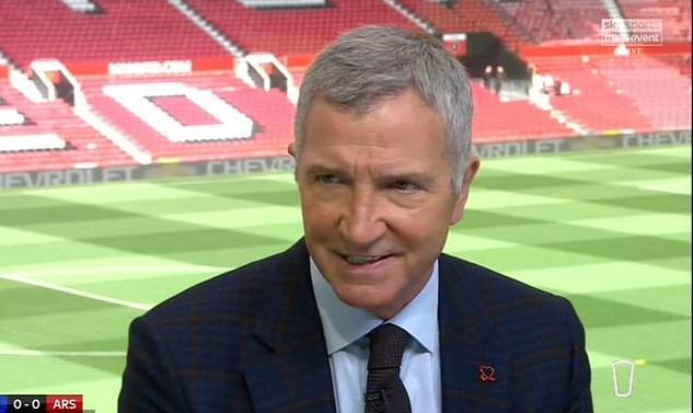 Chuyên gia Anh nói gì về chiếc thẻ đỏ của Arsenal ở trận thua Leicester?