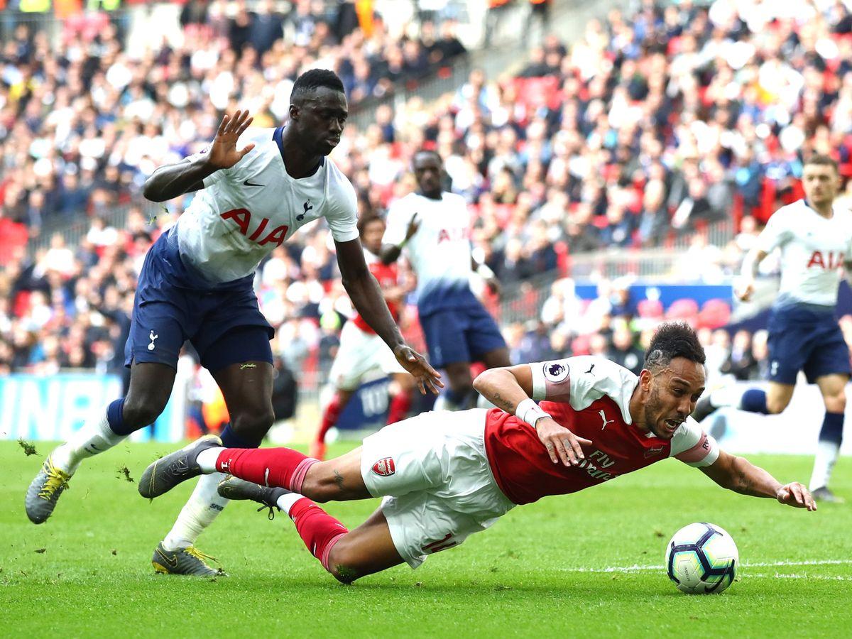 Arsenal, Liverpool và bất ngờ về đội bị phạm lỗi nhiều nhất Ngoại hạng Anh