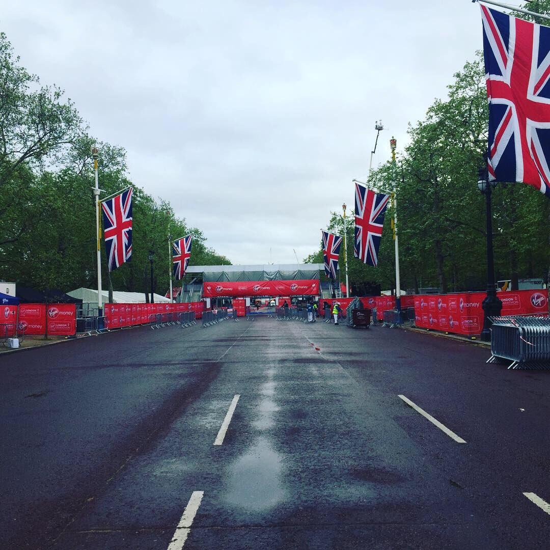 London Marathon 2019: Eliud Kipchoge lập kỷ lục mới, Brigid Kosgei lật đổ ngôi hậu