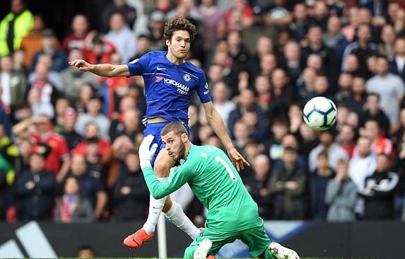 """De Gea bị CĐV MU gọi là """"Karius của Tây Ban Nha"""" sau khi mắc sai lầm trước Chelsea"""