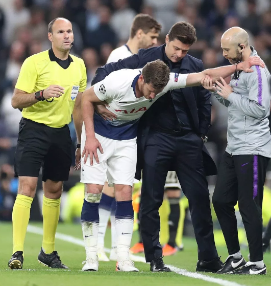 HLV Pochettino và Vertonghen phản ứng thế nào về chỉ trích Tottenham coi thường tính mạng cầu thủ?