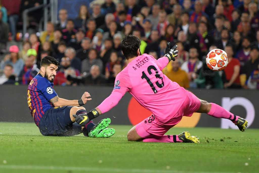 Chuyên gia nhận xét trung vệ số 1 TG Van Dijk mắc lỗi lớn trong bàn thua đầu trận Barca vs. Liverpool