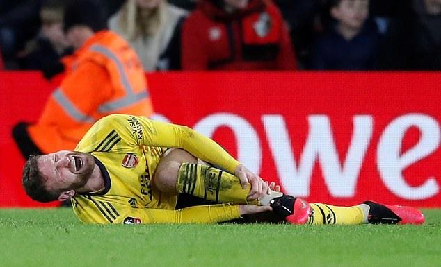Arsenal bỏ lỡ cựu hậu vệ Man City vì cò quay vào phút chót