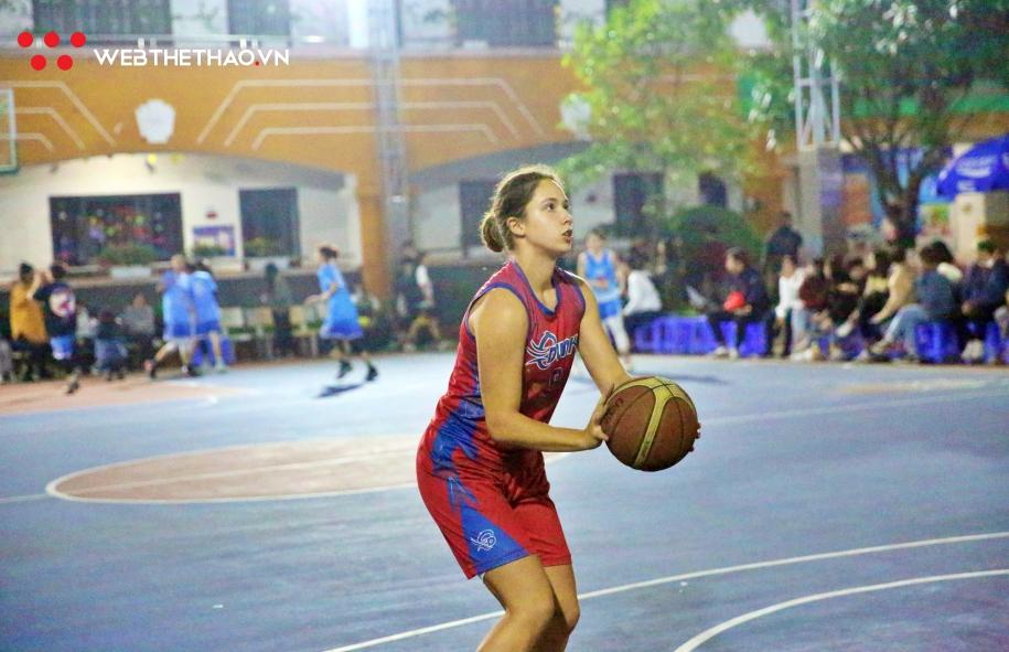Marina Fernandey Schneider: Làn gió Đức tại Hanoi Sisters Cup