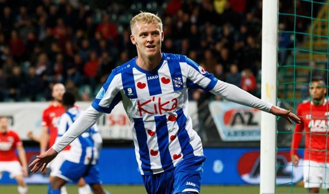 Ở Heerenveen, cầu thủ nào chung số phận với Đoàn Văn Hậu?