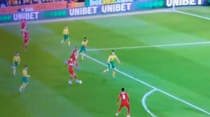 """Firmino khiến CĐV sững sờ với đường chuyền """"dị"""" cho Liverpool trước Norwich"""