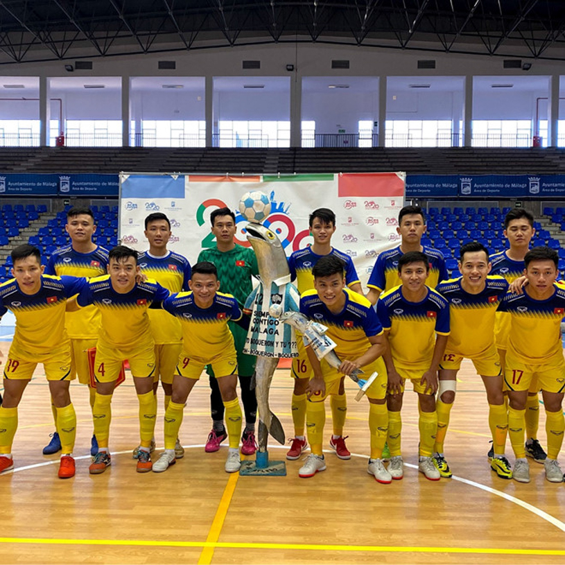 Tin bóng đá Việt Nam hôm nay 16/2: Thầy Park lùi ngày về Việt Nam