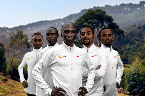 """Đồng đội """"Thần gió Kenya"""" Eliud Kipchoge phá sâu kỷ lục thế giới chạy 5km"""