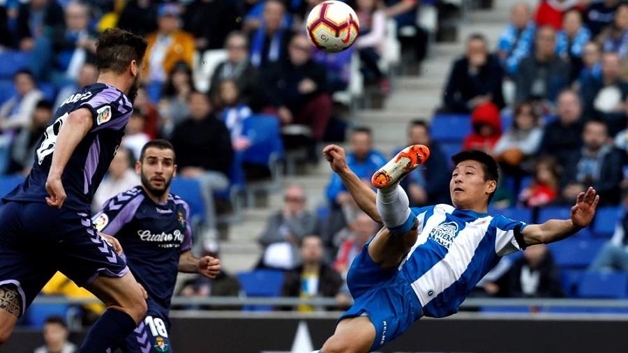 """Messi lại bị """"cà khịa"""" khi so sánh với ngôi sao Trung Quốc Wu Lei"""