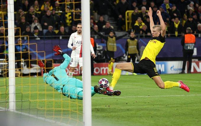Haaland qua mặt Ronaldo kể từ khi chuyển đến Dortmund