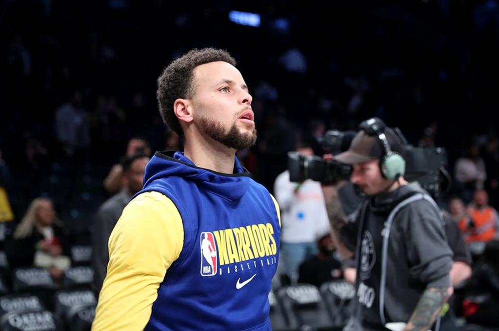 Stephen Curry sắp trở lại, Warriors sẽ quyết không tank để bảo toàn hình ảnh?