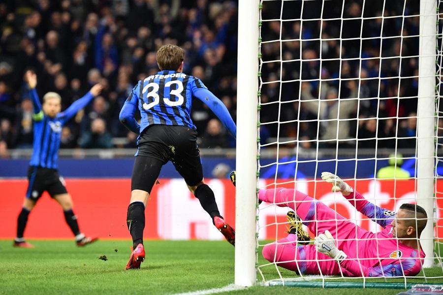 Hậu vệ Atalanta sánh ngang kỳ tích của Van Basten và Seedorf ở Cúp C1