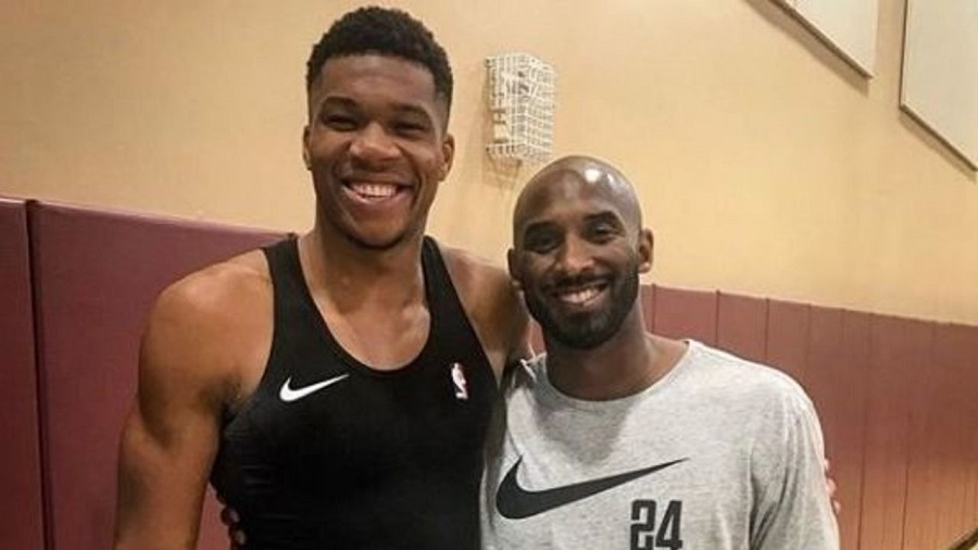 Stephen Curry hé lộ khoảnh khắc đáng nhớ nhất về cố huyền thoại Kobe Bryant