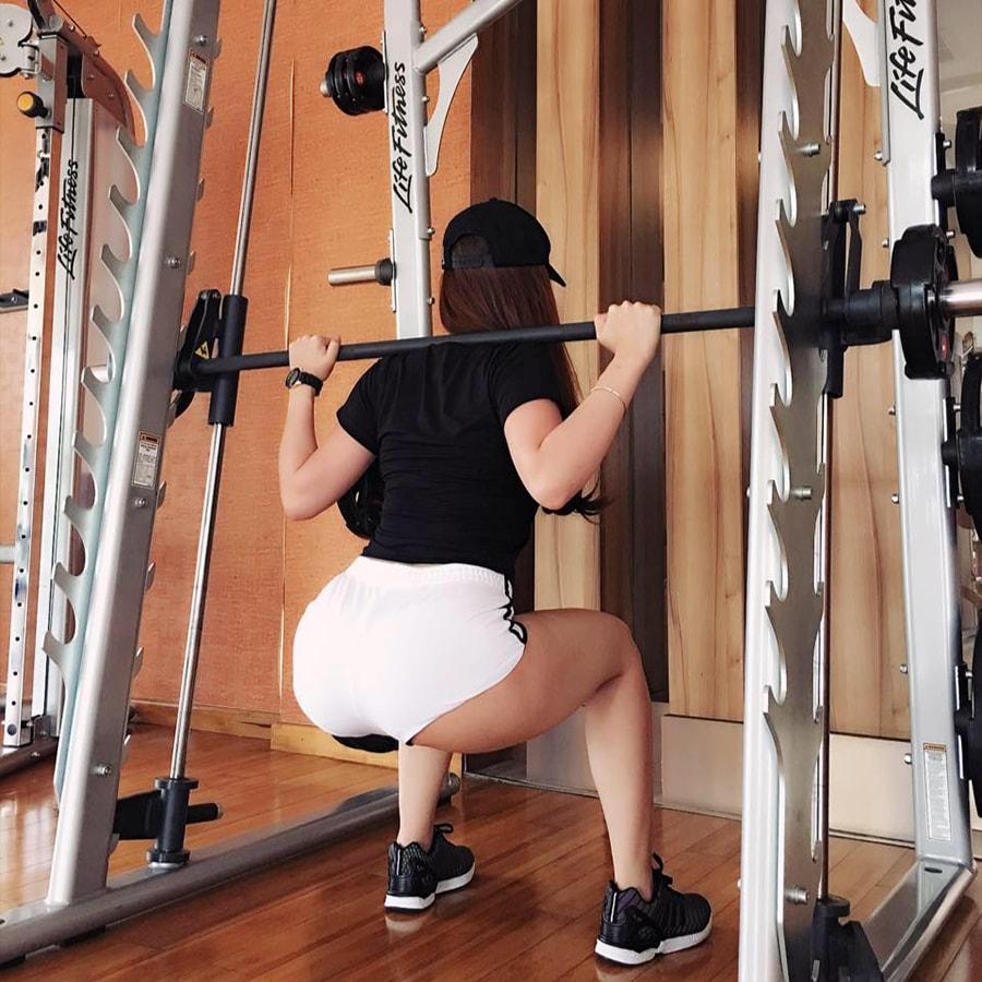 """""""Hot girl fitness"""" mê hàng hiệu chia sẻ bí quyết giảm cân giữ dáng thần tốc sau sinh"""