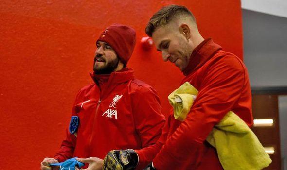 Lý do Liverpool bị thủ môn của Bayern Munich từ chối chuyển nhượng