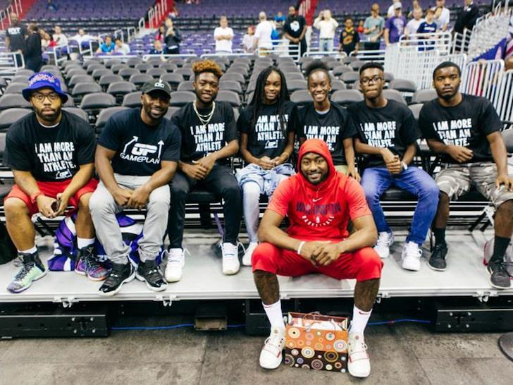 LeBron James bị kiện với số tiền lên tới hơn 700 tỉ
