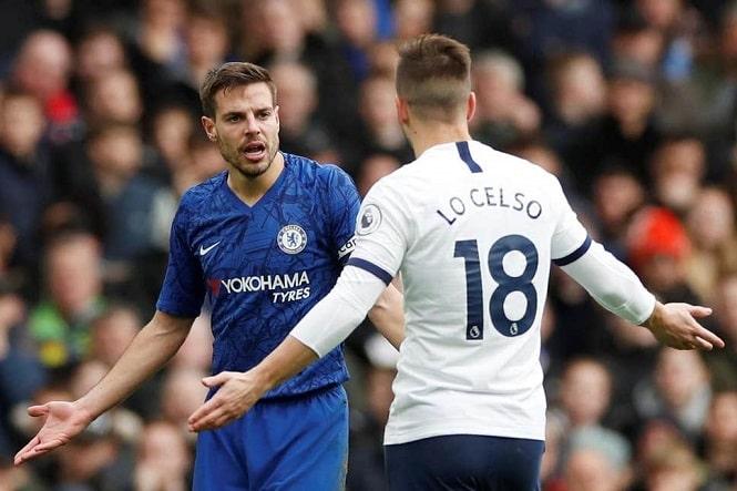 CĐV Chelsea nổi giận về VAR khi ngôi sao Tottenham thoát thẻ đỏ