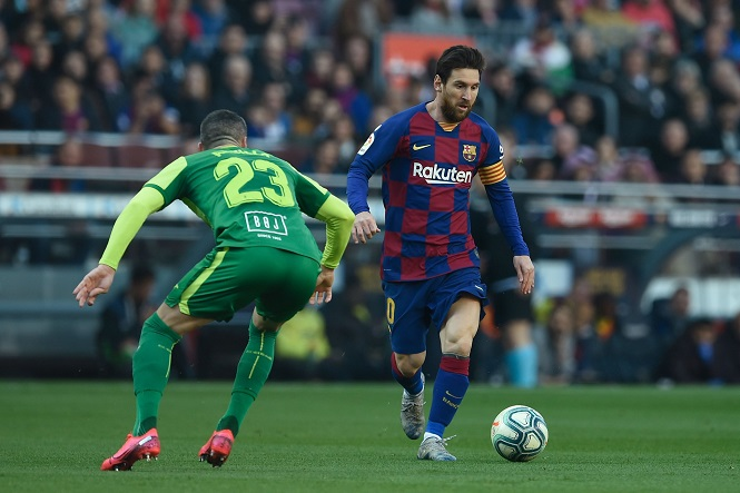 Messi kết thúc cơn khô hạn bằng bàn thắng được ví là kiệt tác