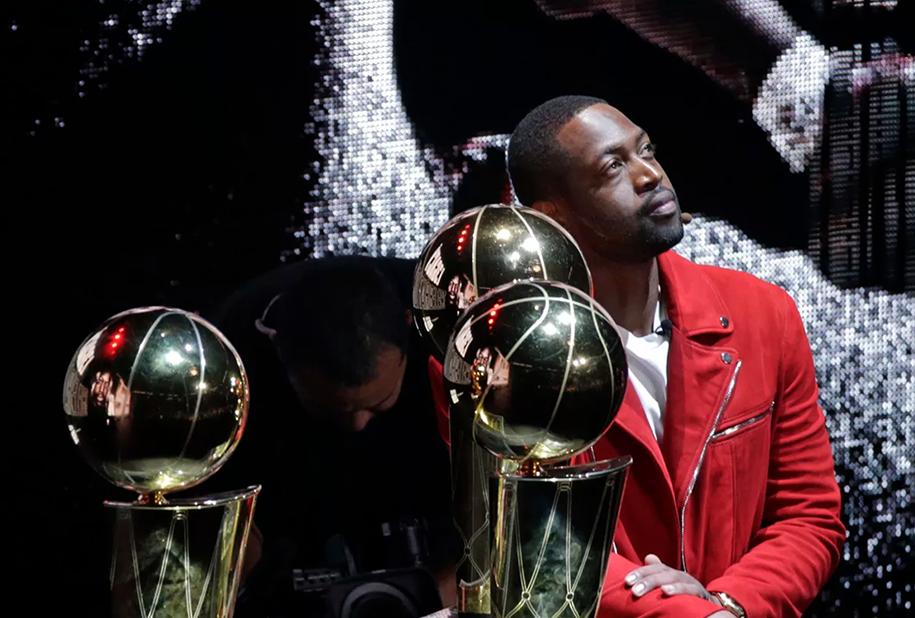 Miami Heat chính thức treo áo Dwyane Wade, bảo toàn di sản bất diệt của The Flash