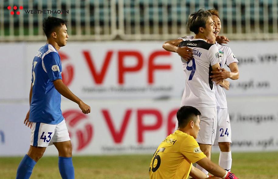 HLV Lee Tae-hoon tiết lộ lý doTuấn Anh vắng mặttrong trận thắng của HAGL