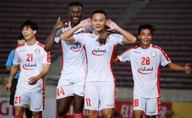Cầu thủ Nguyễn Xuân Nam là ai, quê ở đâu?