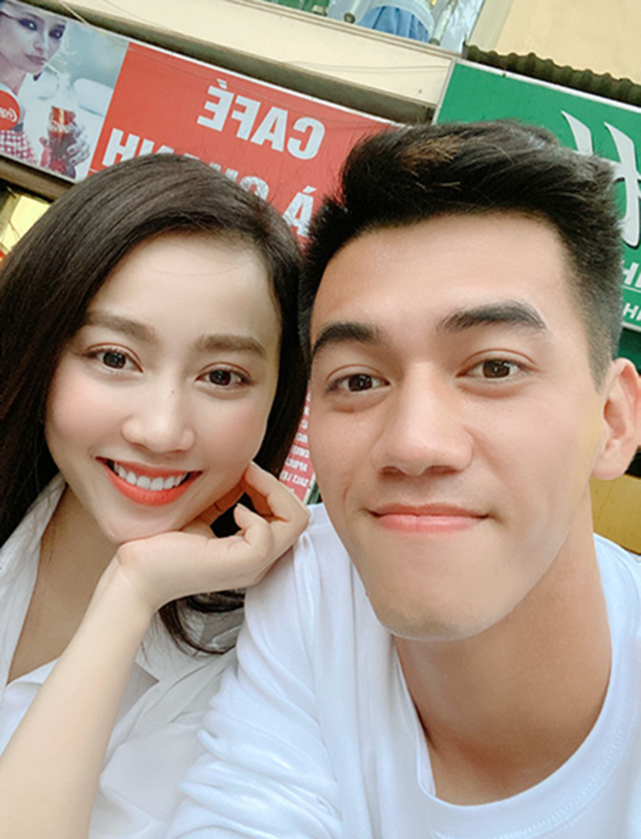Những hình ảnh ngọt ngào, lãng mạn ngày Tiến Linh - Hồng Loan bên nhau