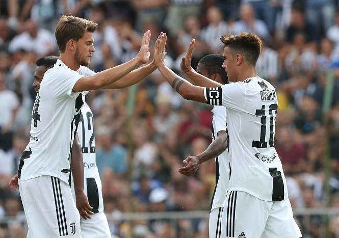 Tin bóng đá mùa COVID-19 15/4: 2 cầu thủ Juventus đã có kết quả âm tính