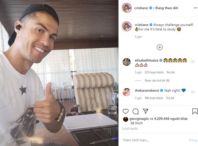 Ronaldo gây tò mò cho người hâm mộ với thông điệp học hành