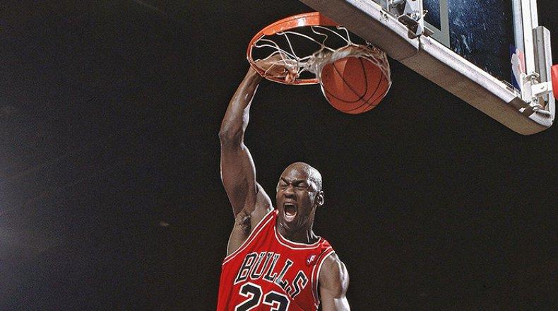 Michael Jordan suýt phải giải nghệ ngay sau mùa giải tân binh