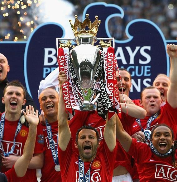 Henry đánh bại Ronaldo và Giggs để trở thành vĩ đại nhất Ngoại hạng Anh
